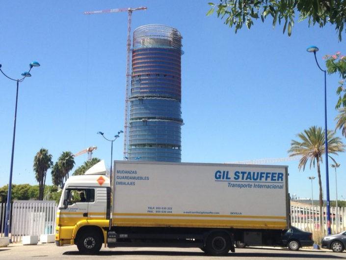 Camión mudanzas Gil Stauffer en Sevilla