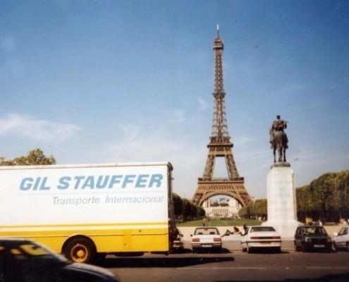 Precio de mudanza internacional - Camión Gil Stauffer en ruta internacional